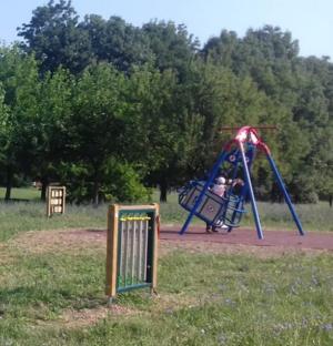 Nuovi giochi inclusivi nel parco di Via Divisione Acqui