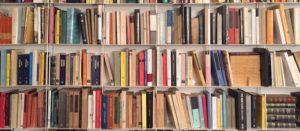 Libri sotto casa, con i volontari riaprono i punti di lettura a Modena e dintorni