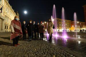 Modena – Fontane rosa contro il tumore al seno